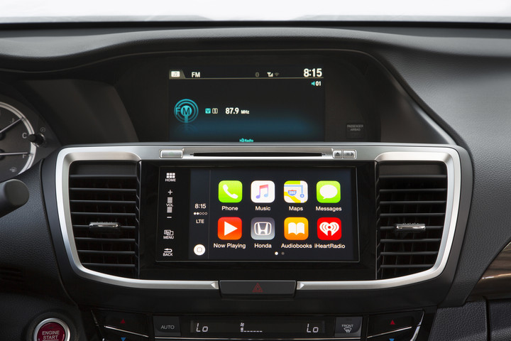 A 2016 Honda Accord equipped with Apple CarPlay. (Photo: Honda)