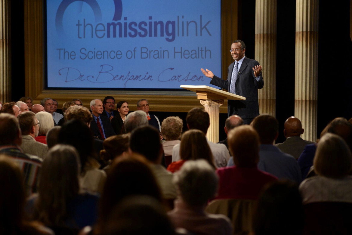 Carson speaks to the audience during the taping of the pledge program The Missing Link: The Science of Brain Health. (Photos: Ivan???)