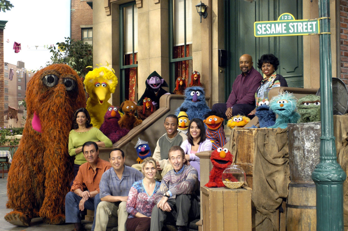 Veteran 'Sesame Street' actors to meet with producers over